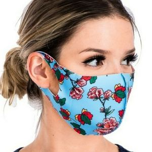 Scuba Blue Floral Face Mask 🆕️